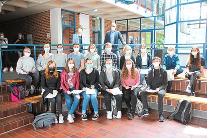 16 Schüler haben das Cambridge-Zertifikat erworben, mit dem sie ihre guten Englisch-Kenntnisse nachweisen können. Foto: Marlies Grüter