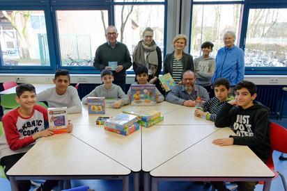 Mit Scrabble und Memory leichter Deutsch lernen. Foto: Alfred Riese