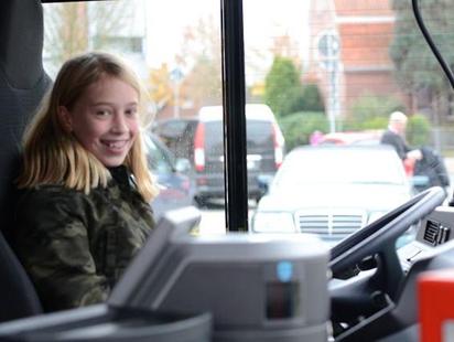 Nicht mehr länger ein Traum: Einmal Platz nehmen auf dem Fahrersitz eines Busses.