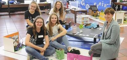 Die Mädels der MKG-Robotics.